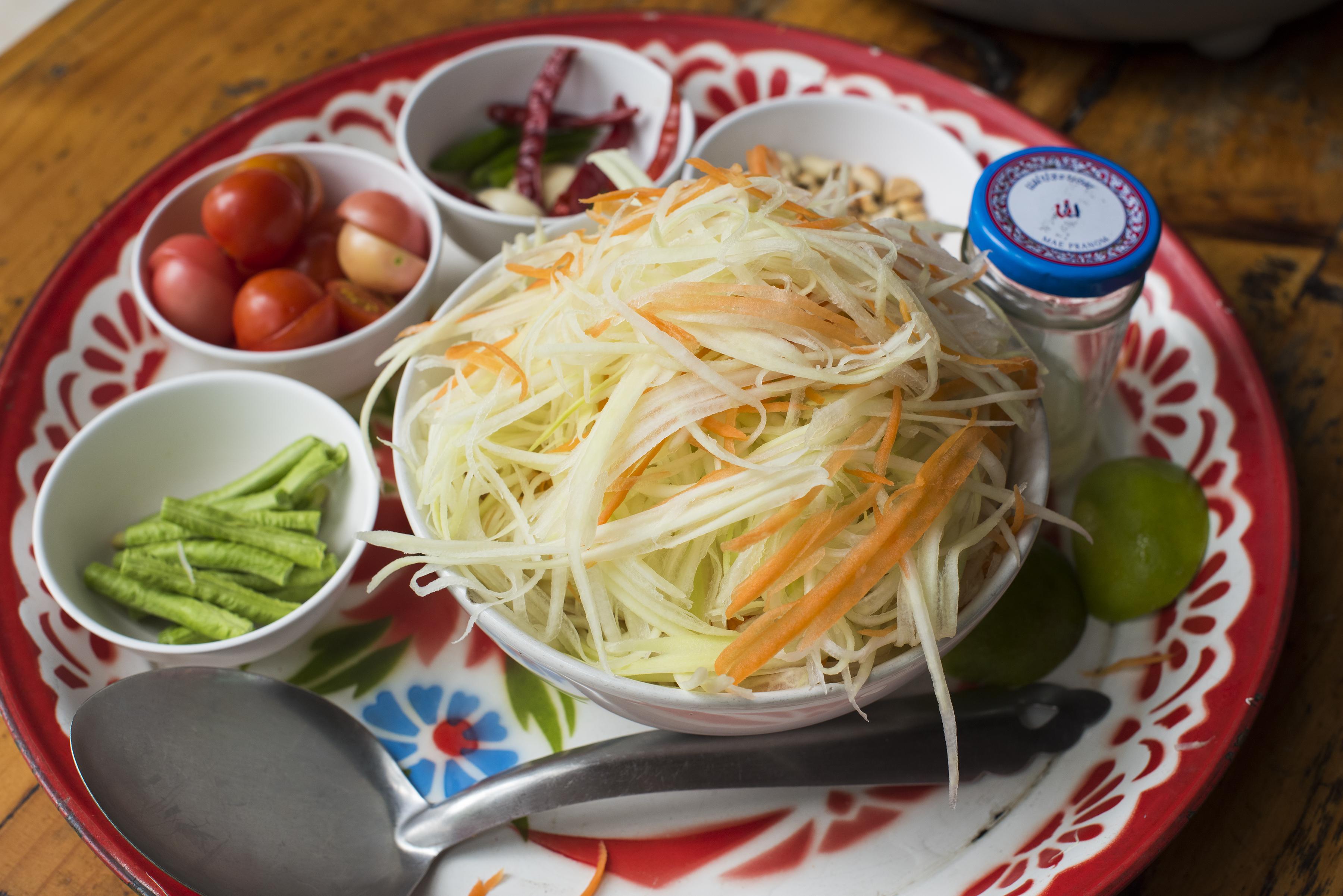 Thai ingredients bowls 02